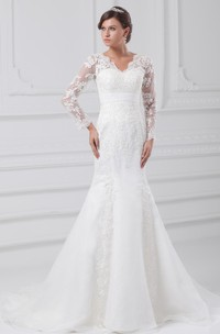 scalloped-neck long-sleeve trumpet illusion dress with appliques