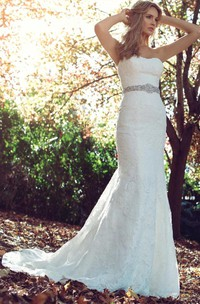 Sheath Appliqued Strapless Lace Wedding Dress With Waist Jewellery