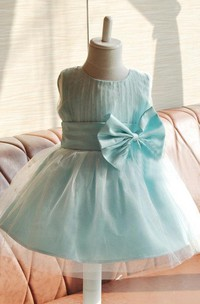 Pleated Sleeveless Jewel Neck Tulle Dress With Bow and Beadings