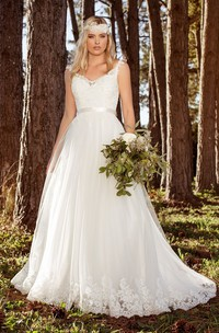 Ethereal A-line Straps Ruched Wedding Dress with Belt
