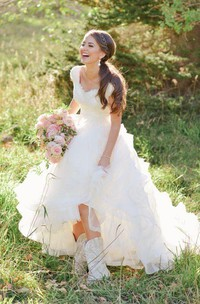 Cowboy Boots V-neck Ruffles Tiered Skirt A-line Lace Organza Wedding Dress with Cap Sleeves
