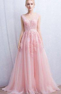 Sleeveless V-neck Long Appliques Tulle Dress