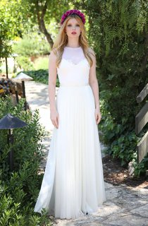 Jewel-Neck Sleeveless Chiffon Pleated Wedding Dress With Keyhole
