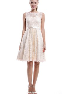 Short Knee-length Strapped Sleeveless Lace Dress