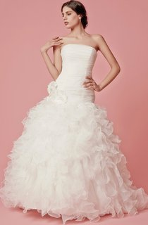 Modern Strapless Organza Wedding Gown With Ruched Dropped Bodice and Descading Ruffles