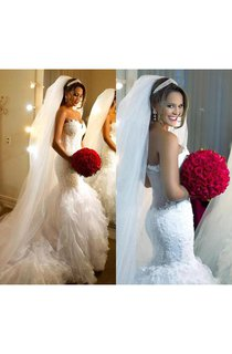 Sweetheart Neckline Trumpet Lace Gown With Ruffled Train