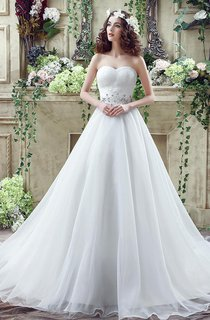 Chic White Sweetheart Beadings 2016 Wedding Dress Court Train Lace-up