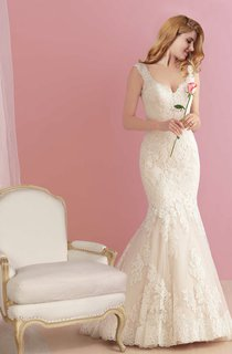 Plunging Neck Lace Mermaid Wedding Dress with Open Back