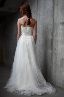 Sweetheart A-Line Tulle Wedding Dress With Ruching and Pleats