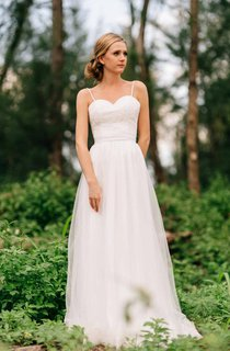 Spaghetti Strap Long Tulle Wedding Dress With Lace Bodice