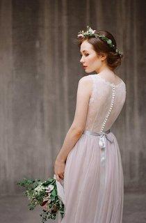 Boho Jewel Neck Sleeveless Tulle Wedding Dress With Lace Bodice and Sash