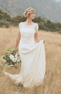 Belle Crinkle Silk Low Back Wedding In Dark Ivory Size 10 Dress