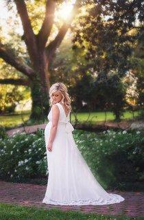 Sleeveless Chiffon Maternity Dress With Sash And Bow