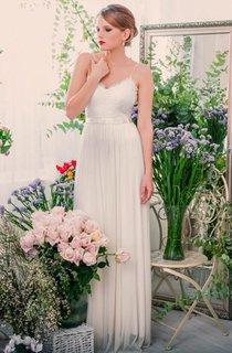 Bell Sleeve Chiffon Lace Backless Wedding Dress