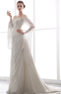 Exquisite Dramatic Strapless Gown With Front Gathering Chiffon