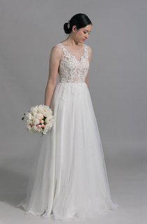 Scoop Neck Sleeveless A-Line Tulle Wedding Dress With Venice Lace Appliques
