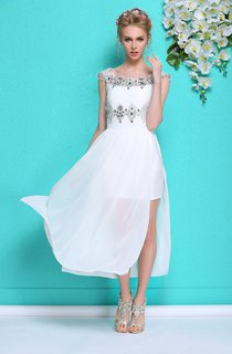 Hot Summer White Chiffon Prom Dress With Beadings