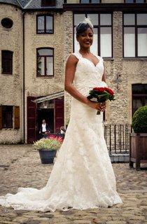 Long Lace V-Neck Wedding Dress With Keyhole Back