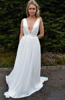 Backless Chiffon Satin Weddig Dress With Pleats Sequins
