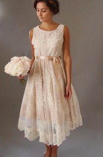 Vintage Style Sleeveless Scoop Neck Pleated Nude Blush Tea-Length Lace Dress