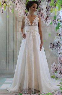 V-Neck Lace Satin Weddig Dress With Appliques
