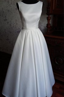Modern Simple Jewel Neck Sleeveless Long A-Line Satin Wedding Dress