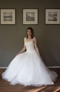 Off White Cap Sleeve Sweetheart Neck Pleated Tulle & Lace Wedding Dress
