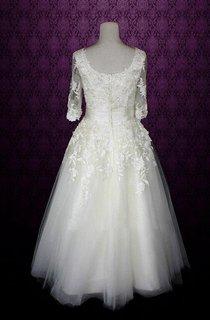 V-Neck Half Sleeve Low-V Back Tulle Wedding Dress With Sash And Appliques