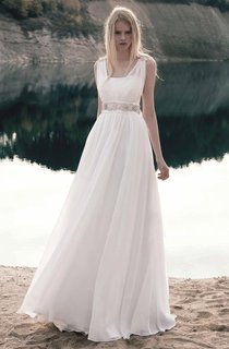 Chiffon Lace Dress With Embroideries