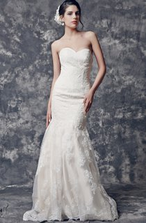Inspired Sweetheart Mermaid Lace Dress With Scalloped-Edge Back