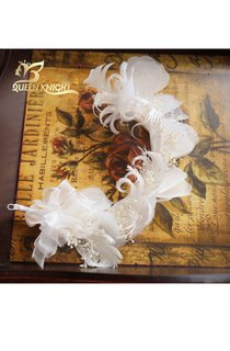 Beautiful Slightly Curled Feather White Gypsophila Hair Accessories