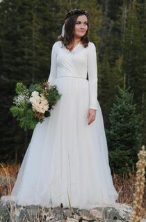 Floor-Length Long Sleeve Tulle Wedding Dress
