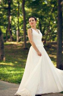 V-Neck Sleeveless Long A-Line Boho Chiffon Wedding Dress