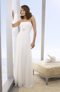 A-Line Strapless Floor-Length Chiffon Beach Wedding Dresses