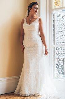 Trumpet Long V-Neck Sleeveless Lace  Dress