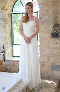 Spaghetti Chiffon Pleated Floor-Length Wedding Dress With Lace Appliques