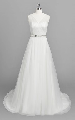 Vintage A-Line Ruffled Chiffon Wedding Dress With Appliques