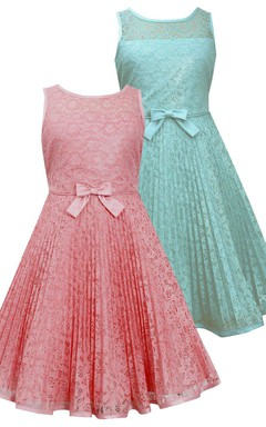 Sleeveless Lace Dress With Bow and Pleats