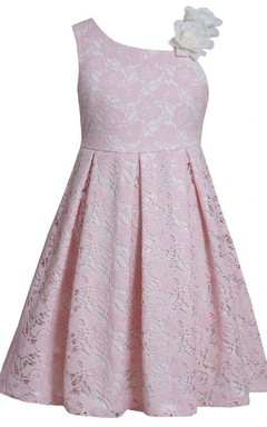 Sleeveless Floral Shoulder Lace Dress With Pleats