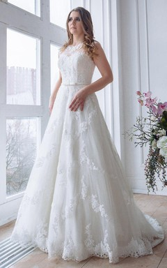 Scoop-Neck Cap-Sleeve A-Line Lace Appliqued Wedding Dress With Keyhole
