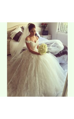 Short Sleeve V-neck Pleated Long Tulle Ball Gown With Lace Layer