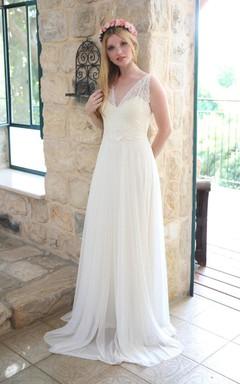 Deep-V-Neck Sleeveless Chiffon Sleeveless Wedding Dress With Ribbon