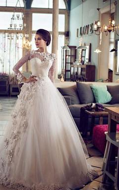Elegant Bateau Long Sleeve Tulle Wedding Dress With Flowers Lace