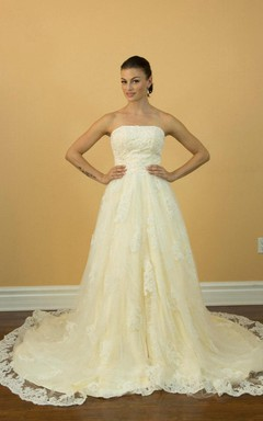 Strapless Long A-Line Appliqued Wedding Dress With Lace Trim