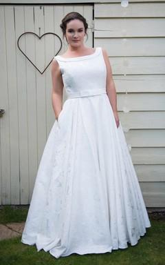 A-Line Long Bateau Neck Sleeveless Satin Pleats Dress