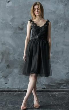 Short Mini V-Neck Tulle Lace Wedding Dress