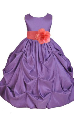 Sleeveless Scoop-neck A-line Ruffled Dress With Belt