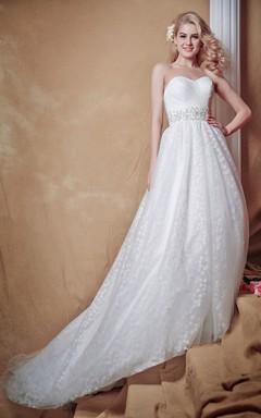 Brilliant Strapless Deep V-back Tulle Wedding Gown