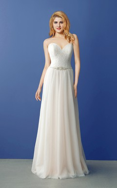 Sweetheart Lace and Tulle Wedding Dress