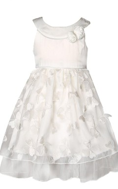 Cap-sleeved A-line Appliqued Dress With Bow